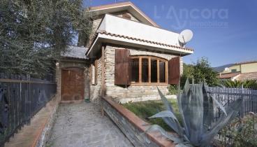 Andora- Molino. Casa Indipendente