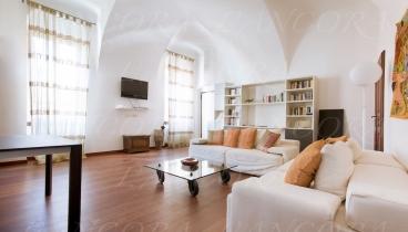 Prestigioso appartamento in vendita nel Centro Storico di Laigueglia.